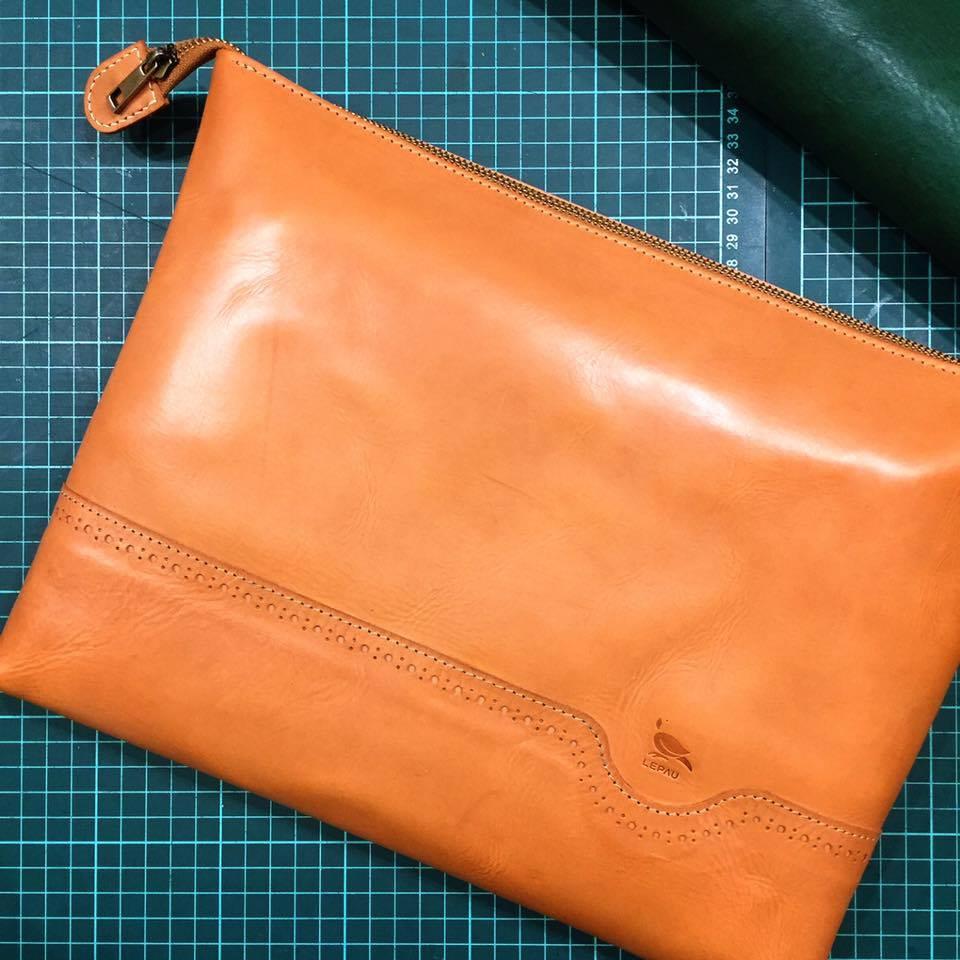 acc0e9265cbe 入秋(筆電包) – Lepau 樂鞄手作皮革
